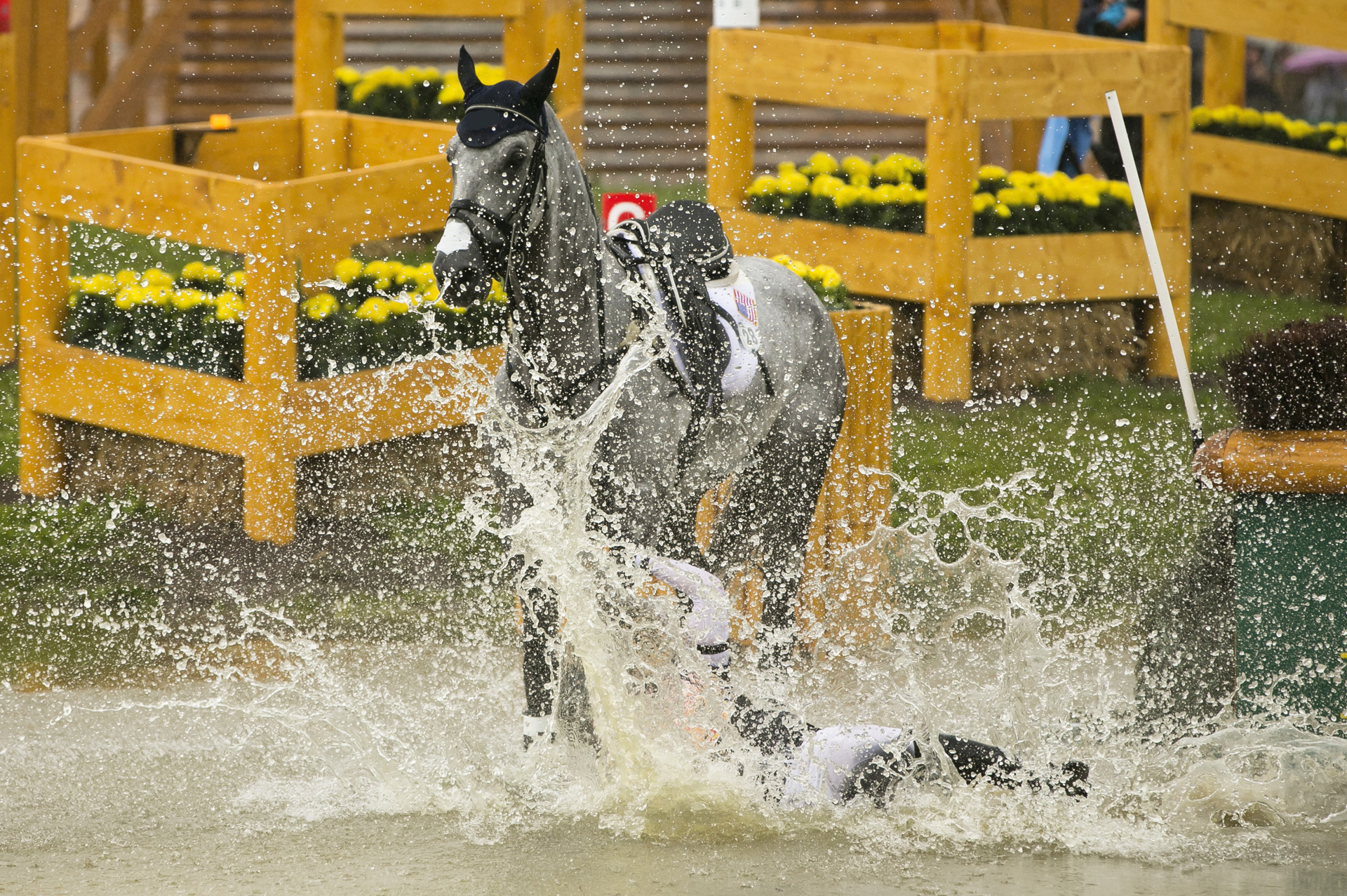 rider-thrown-water-splash.jpg